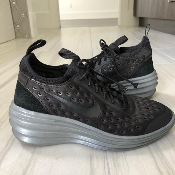 new product 9d1fc 15a09 Nike LunarElite Sky Hi Women s Sneakers. M 5a9cafa2a4c4859817b19400
